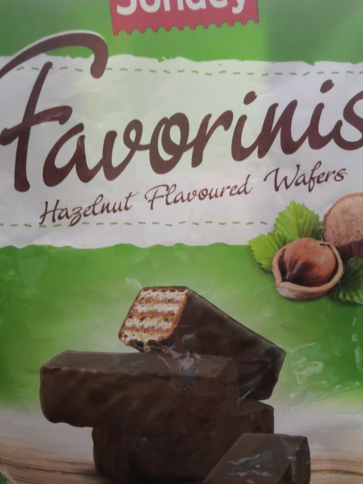 Fotografie - Favorinis Hazelnut Flavored Wafers Sondey