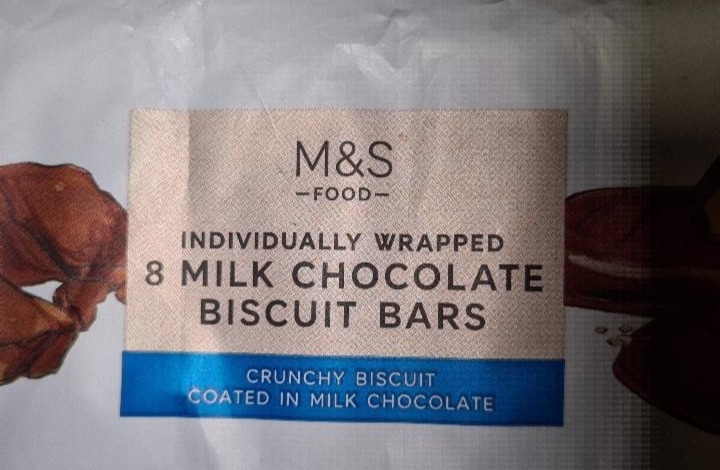 Fotografie - Individually Wrapped 8 Milk Chocolate Biscuit Bars Marks & Spencer