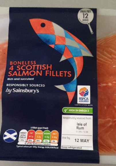 Fotografie - 4 Scottish Salmon Fillets - by Sainsbury's