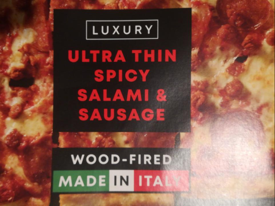 Fotografie - Luxury Ultra Thin Spicy Salami & Sausage Pizza Iceland