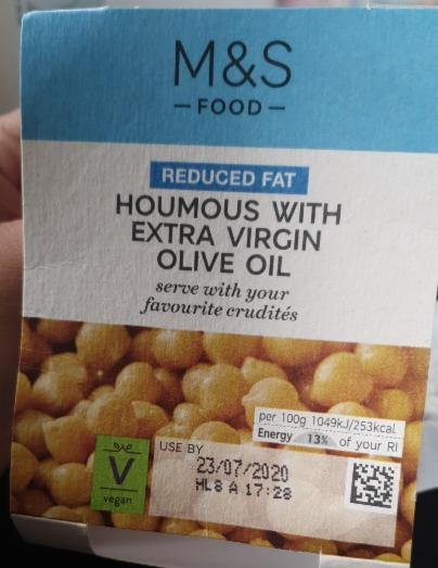 Fotografie - Houmous with Extra Virgin Olive Oil reduced fat Marks & Spencer