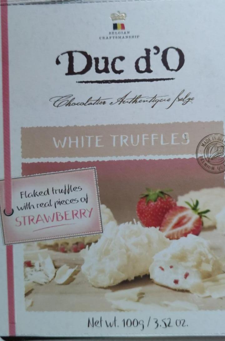 Fotografie - Flaked white truffles with real pieces of strawberry Duc d'O