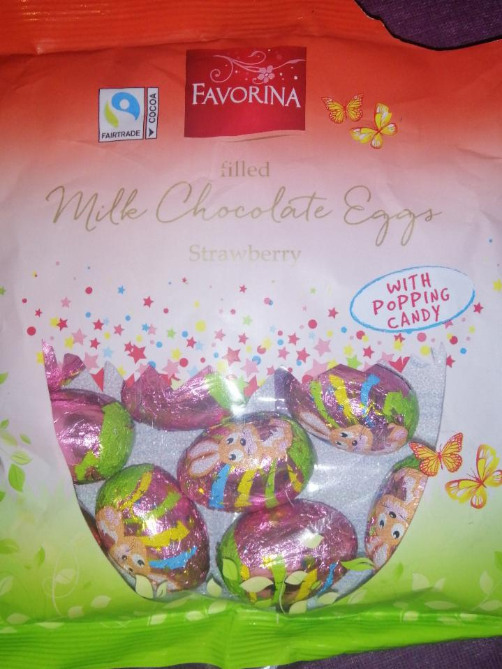 Fotografie - Favorina filled Milk Chocolate Eggs Strawberry