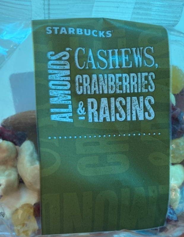 Fotografie - Almonds, cashews, cranberries & raisins Starbucks