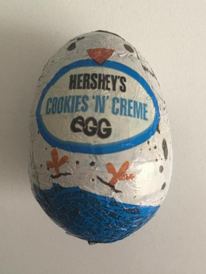 Fotografie - Cookies And Creme Egg Hershey's